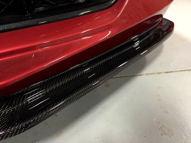 another close up view of C7 carbon fiber front splitter