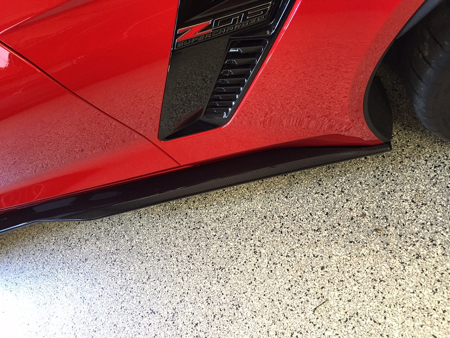 C7 Z06 Style Carbon Fiber side skirts