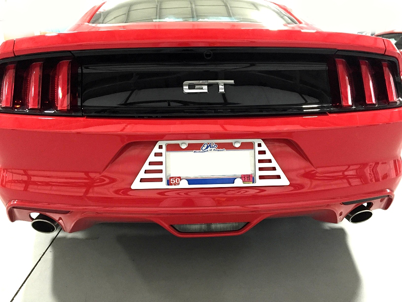 2015 2019 Mustang Louvered License Plate Frame